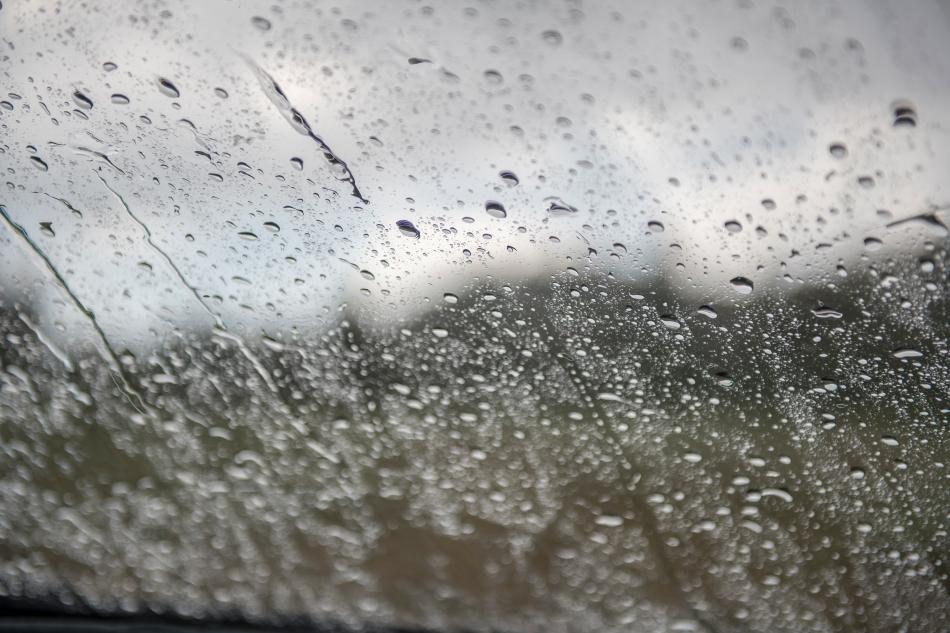 windshield rain-HDR-1