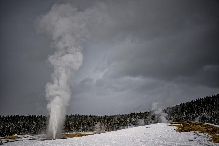 Beehive geyser.jpg